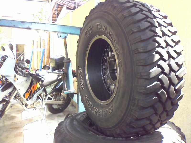 Vendo jogo de pneus Savero 33-12/50 – R15 com menos de 1500 km. VENDIDO Imagem10