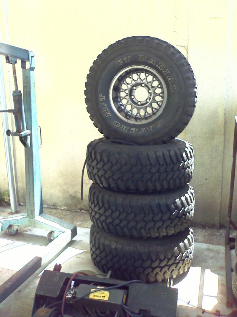 Vendo jogo de pneus Savero 33-12/50 – R15 com menos de 1500 km. VENDIDO Imagem11