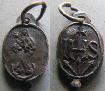 Superbe médaille Vierge s/croissant de lune / IHS & clous crucifixion - XVIIème M310