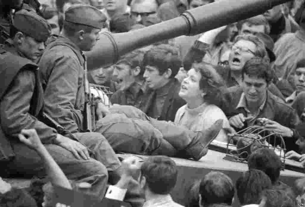 21 août 1968, parachutiste soviétique à Prague, opération Danube 1311