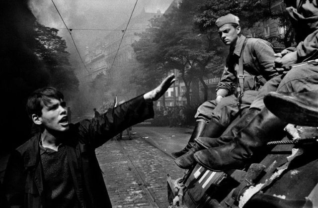 21 août 1968, parachutiste soviétique à Prague, opération Danube 1411