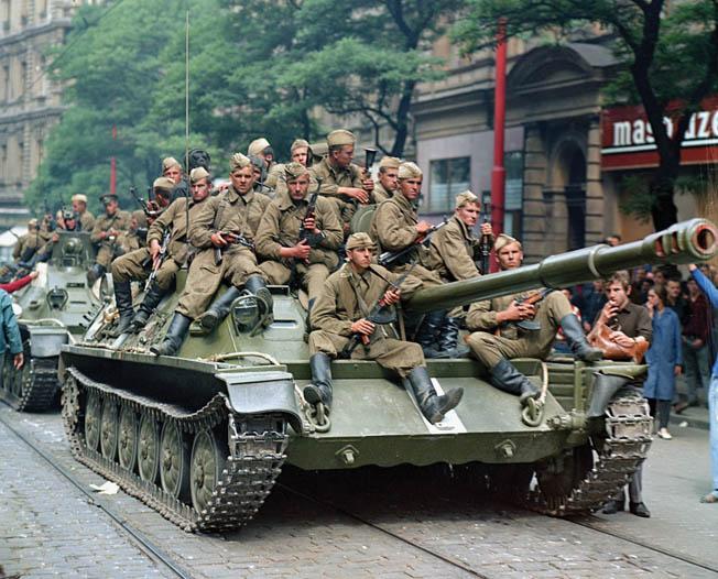 21 août 1968, parachutiste soviétique à Prague, opération Danube 1510