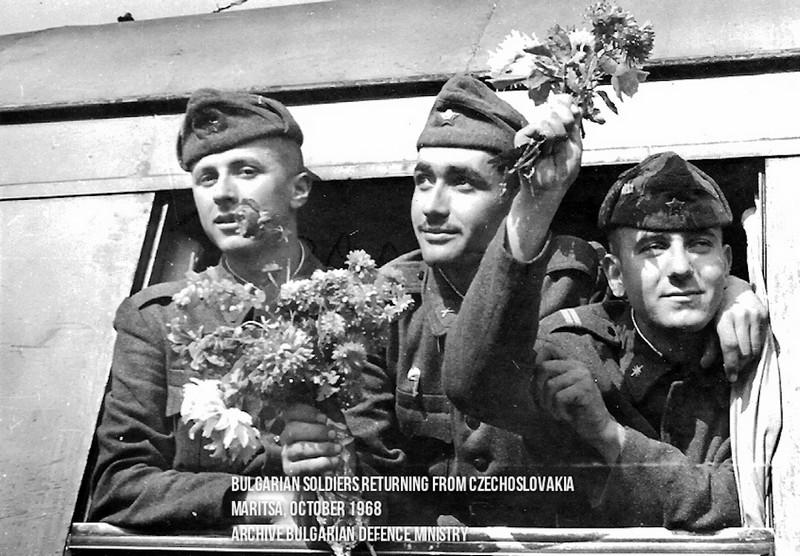 21 août 1968, parachutiste soviétique à Prague, opération Danube Bg_arm11