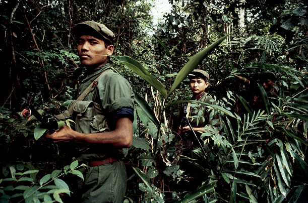 Kampuchéa démocratique contre Kampuchéa populaire Khmer-10