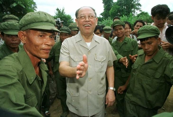 Kampuchéa démocratique contre Kampuchéa populaire Leng-s10