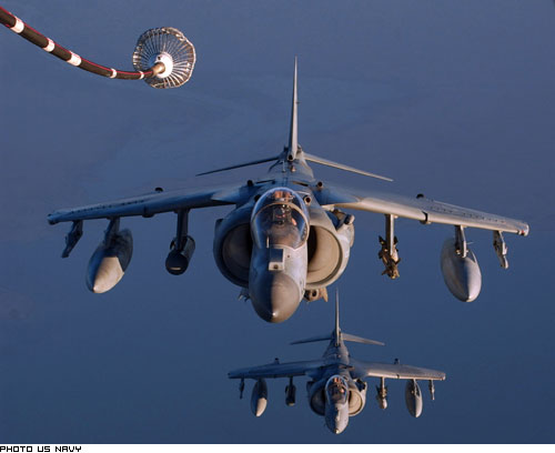 Fabrication d'avions militaire ( Etats-Unis / Grande-Bretagne ) Av8b10