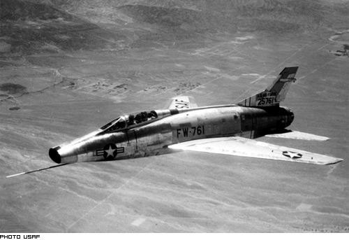 Fabrication d'avions militaire Etats-Unienne F10010