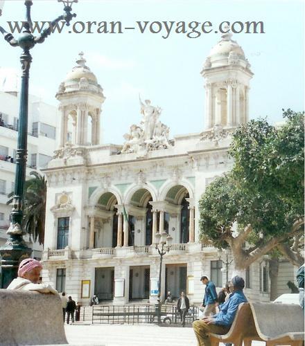 Photos de villes d'Algérie  - Page 2 Theatr10