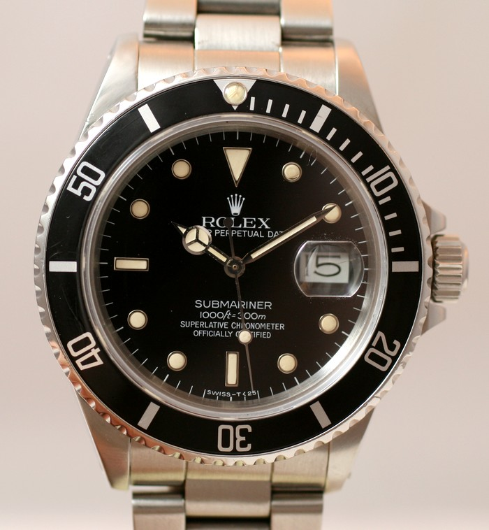 (Vendue) Rolex SubmarinerRéf : 16800 Img_1323