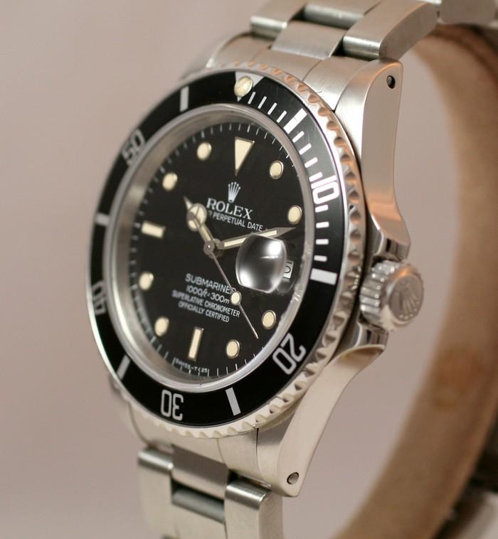 (Vendue) Rolex SubmarinerRéf : 16800 Img_1325