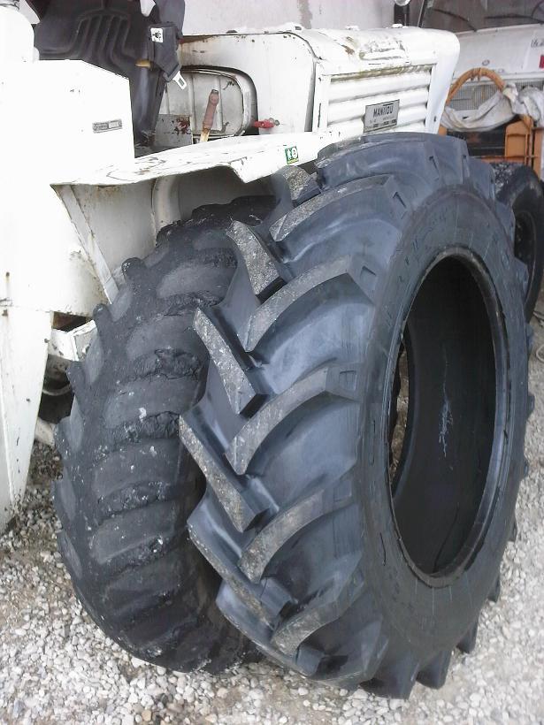 changer des pneus au démonte pneus 112