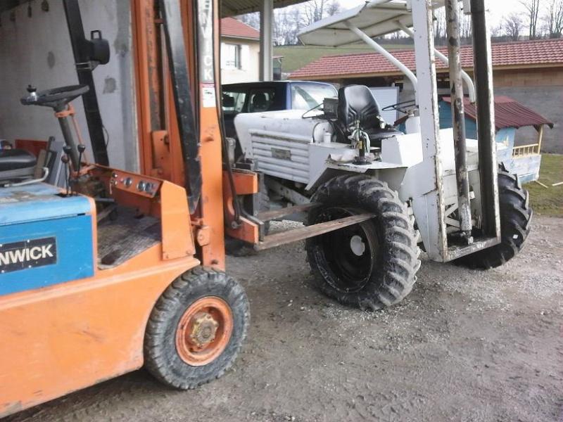 changer des pneus au démonte pneus 212