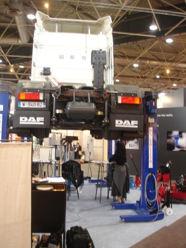 salon des équipementiers, carrossiers .. à Lyon du 02 au 06 mars 2010 Dsc03613
