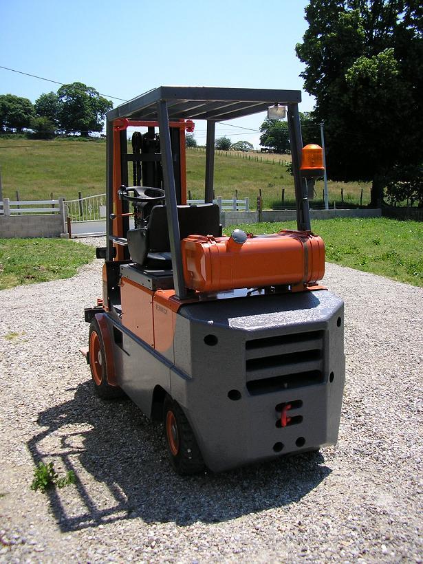 restauration d'un chariot élévateur E11