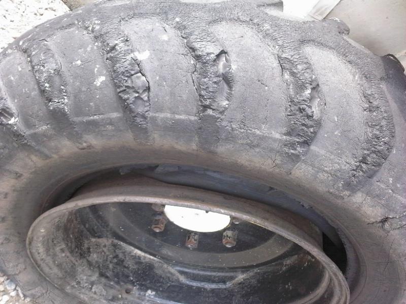 changer des pneus au démonte pneus Manito11