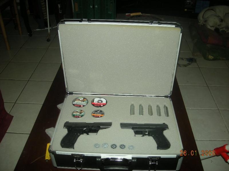 Ma malette avec enfin de la mousse ;) Dscn0613