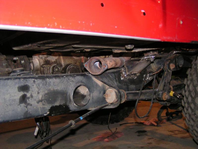 CJ 7 sur chassis mercedes et V8 mercos - Page 3 Pict5217