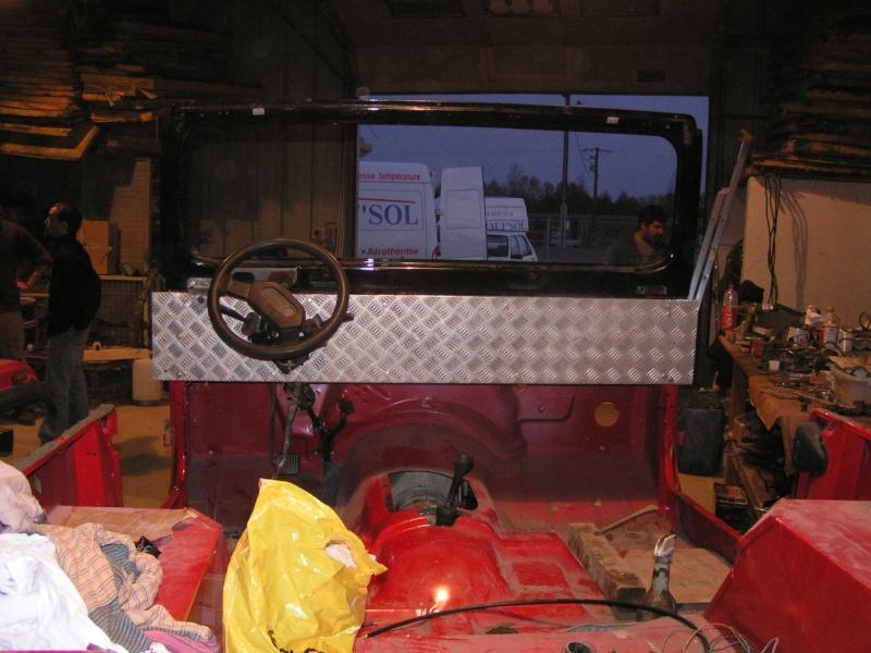 CJ 7 sur chassis mercedes et V8 mercos - Page 4 Pict5316