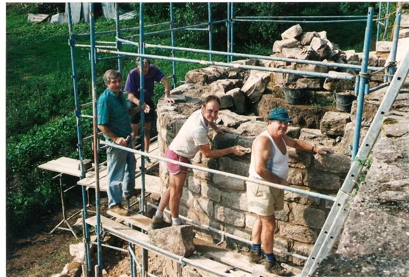 Restauration de la tourelle du mur d'enceinte chez Mr.Kratz 2410