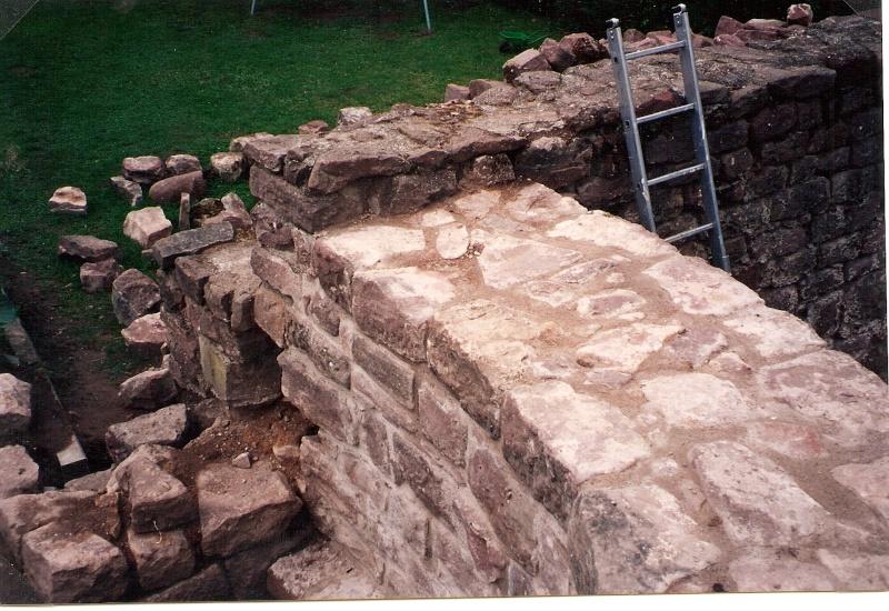 Restauration de la tourelle du mur d'enceinte chez Mr.Kratz 3010