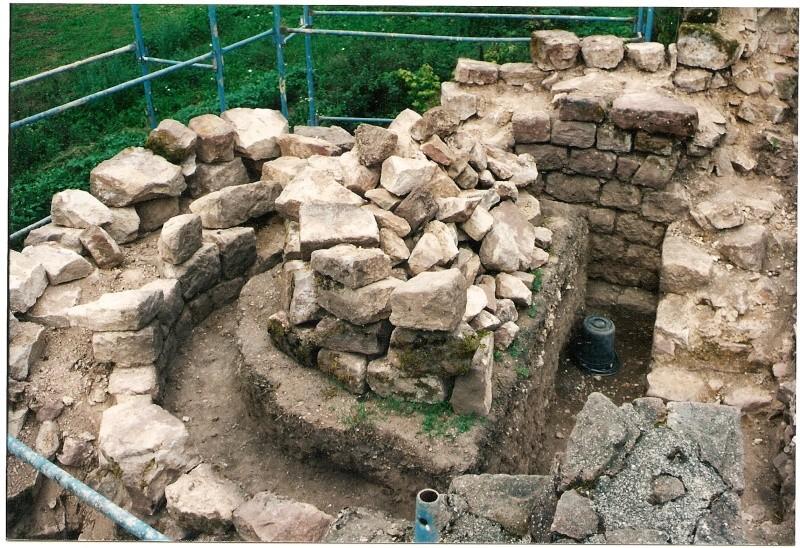 Restauration de la tourelle du mur d'enceinte chez Mr.Kratz 37a10