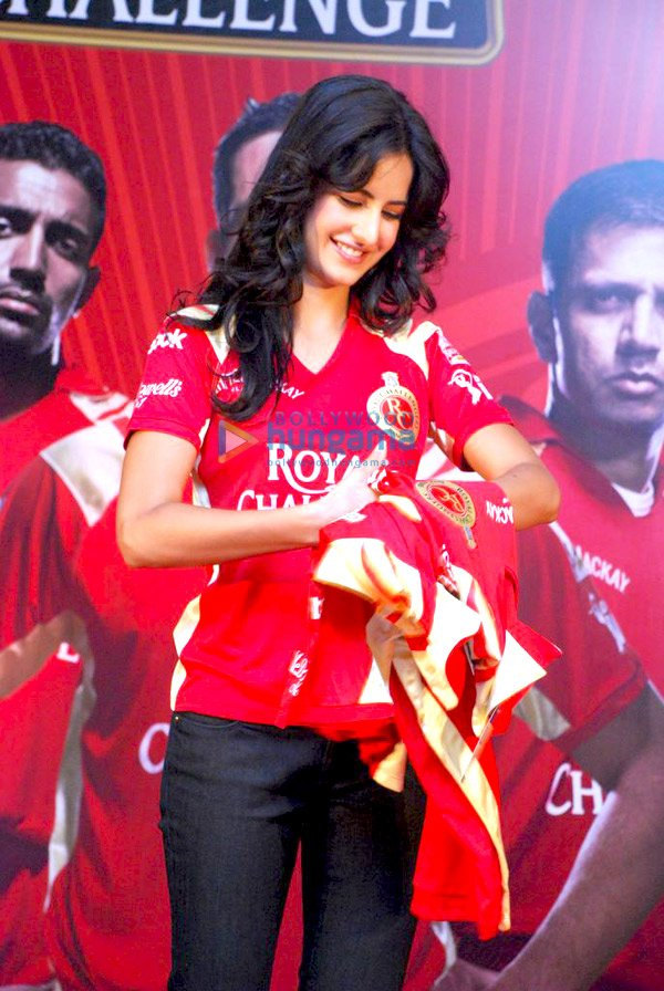 IPL Royal Challengers fans get a Royal treat with Katrina Kaif Still510