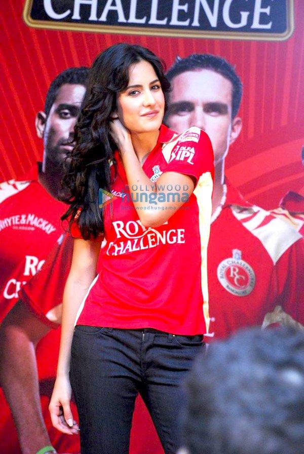 IPL Royal Challengers fans get a Royal treat with Katrina Kaif Still810