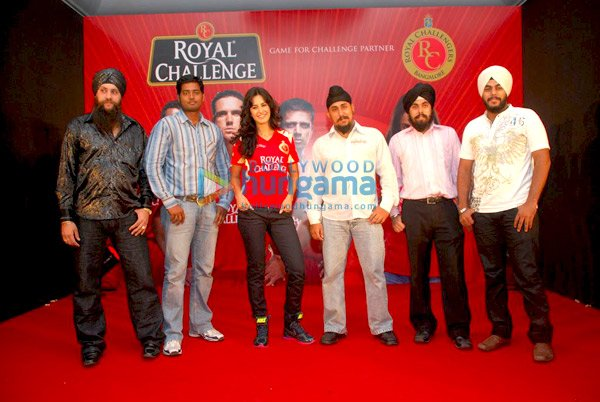 IPL Royal Challengers fans get a Royal treat with Katrina Kaif Still910