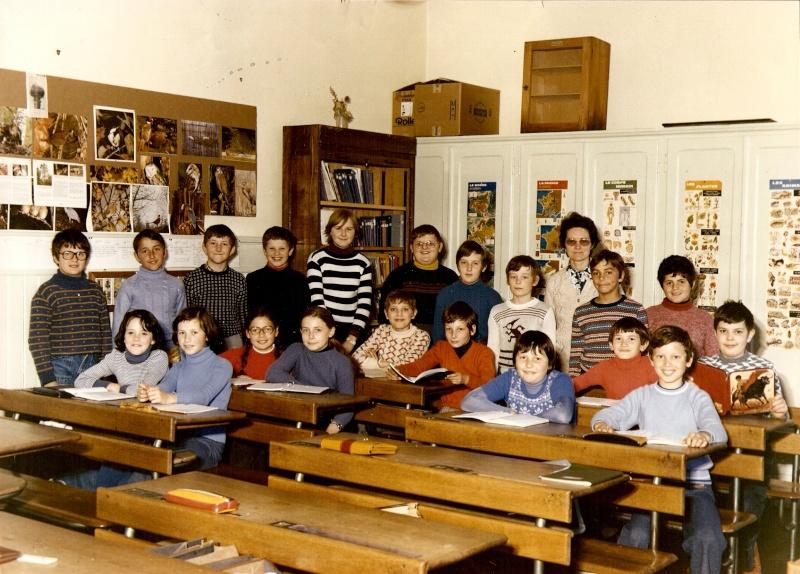 Les écoles d'hier à Wangen - Page 3 1976-110