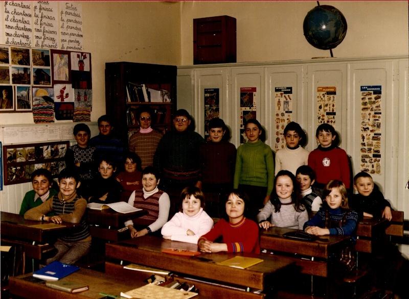 Les écoles d'hier à Wangen - Page 3 1977-110