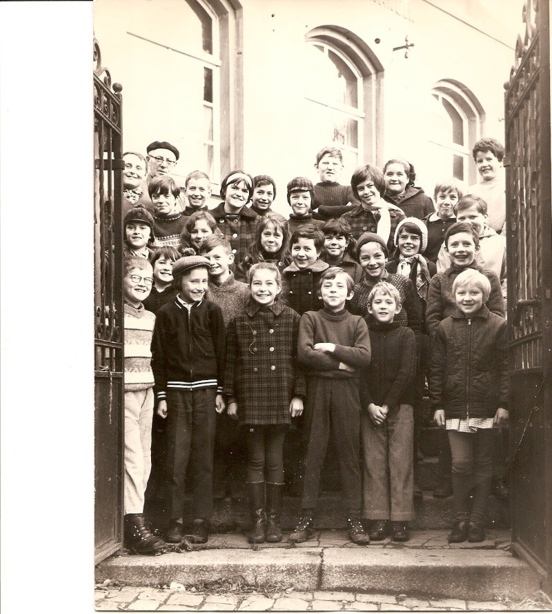 Les écoles d'hier à Wangen - Page 3 27410
