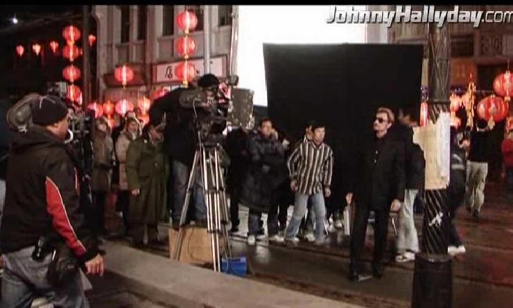 """Johnny Hallyday : Son retour dans... """"L'homme à la mallette"""" ! 2010-356"""