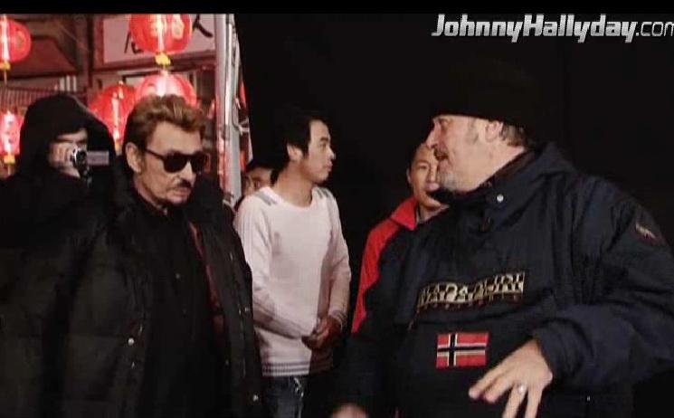 """Johnny Hallyday : Son retour dans... """"L'homme à la mallette"""" ! 2010-359"""