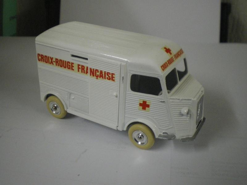"""Citroën miniatures > """"Ambulances, transports de blessés et assistance d'urgence aux victimes"""" Imgp4040"""