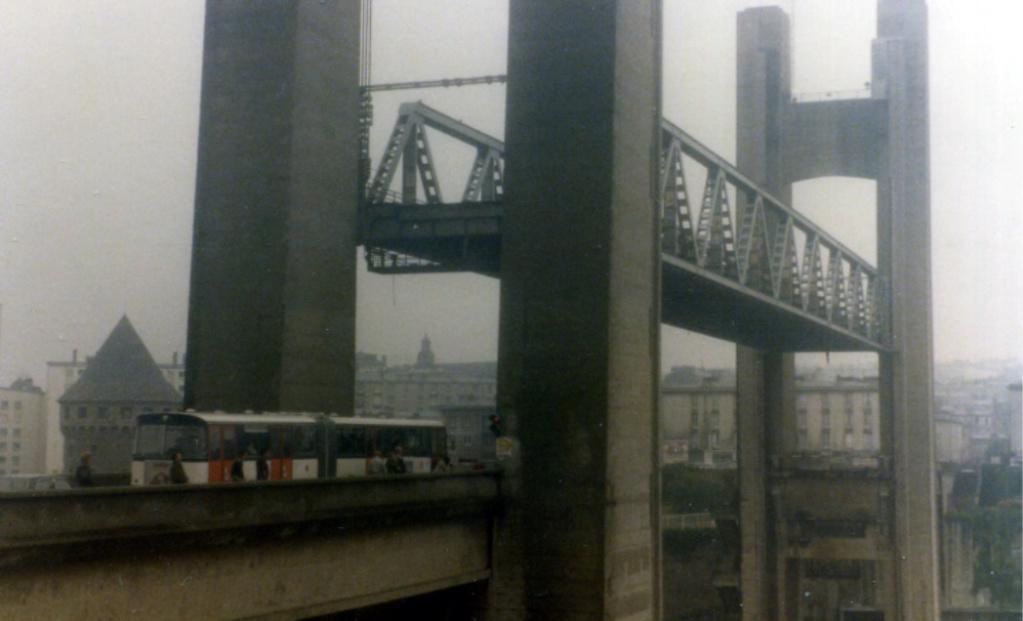 [Les ports militaires de métropole] Port de BREST - TOME 3 - Page 7 79100011