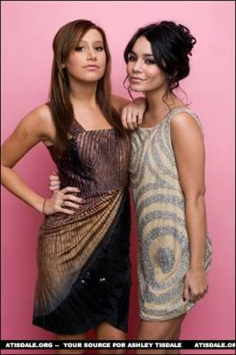 Official Vanessa & Ashley Gallery - Page 4 Normal10