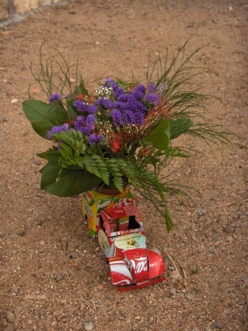 Une 2 cv utilitaire, fleurie Canett10