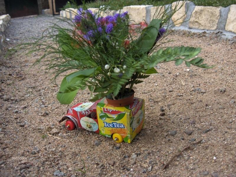 Une 2 cv utilitaire, fleurie Canett11