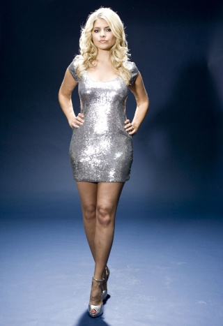HOLLY WILLOUGHBY 83106_10
