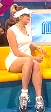 HOLLY WILLOUGHBY Hw10610