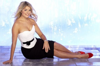 HOLLY WILLOUGHBY N5661311
