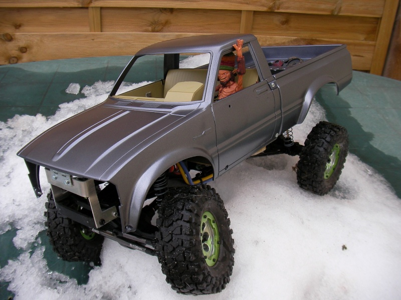 [ SCX10 Axial ] The Hilux Sany0113