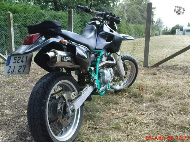 mon 650 klx Moto10
