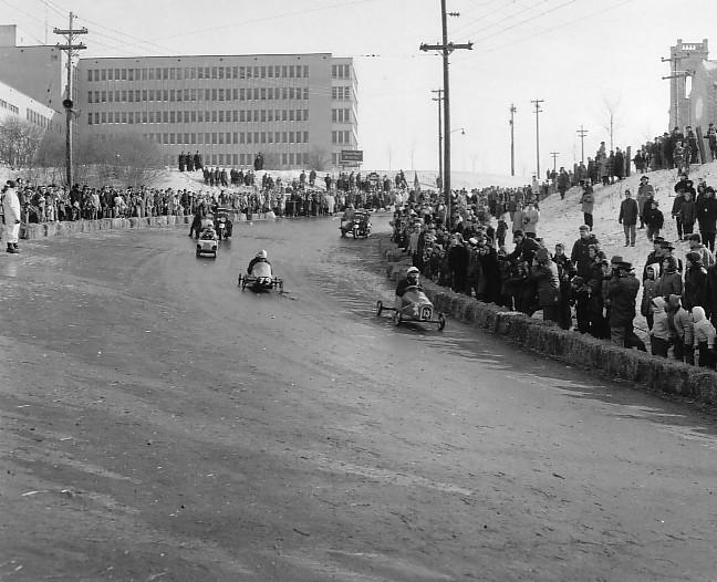 Vielles publicitées de course au Québec 1961_t10