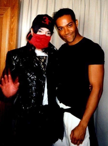 Foto di Michael Jackson con la mascherina - Pagina 4 Michae72