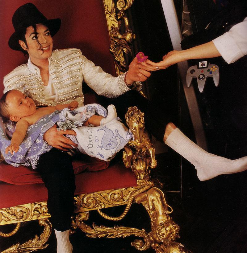 "Foto di Prince, Paris e ""Blanket"" - Pagina 21 Mike-m25"
