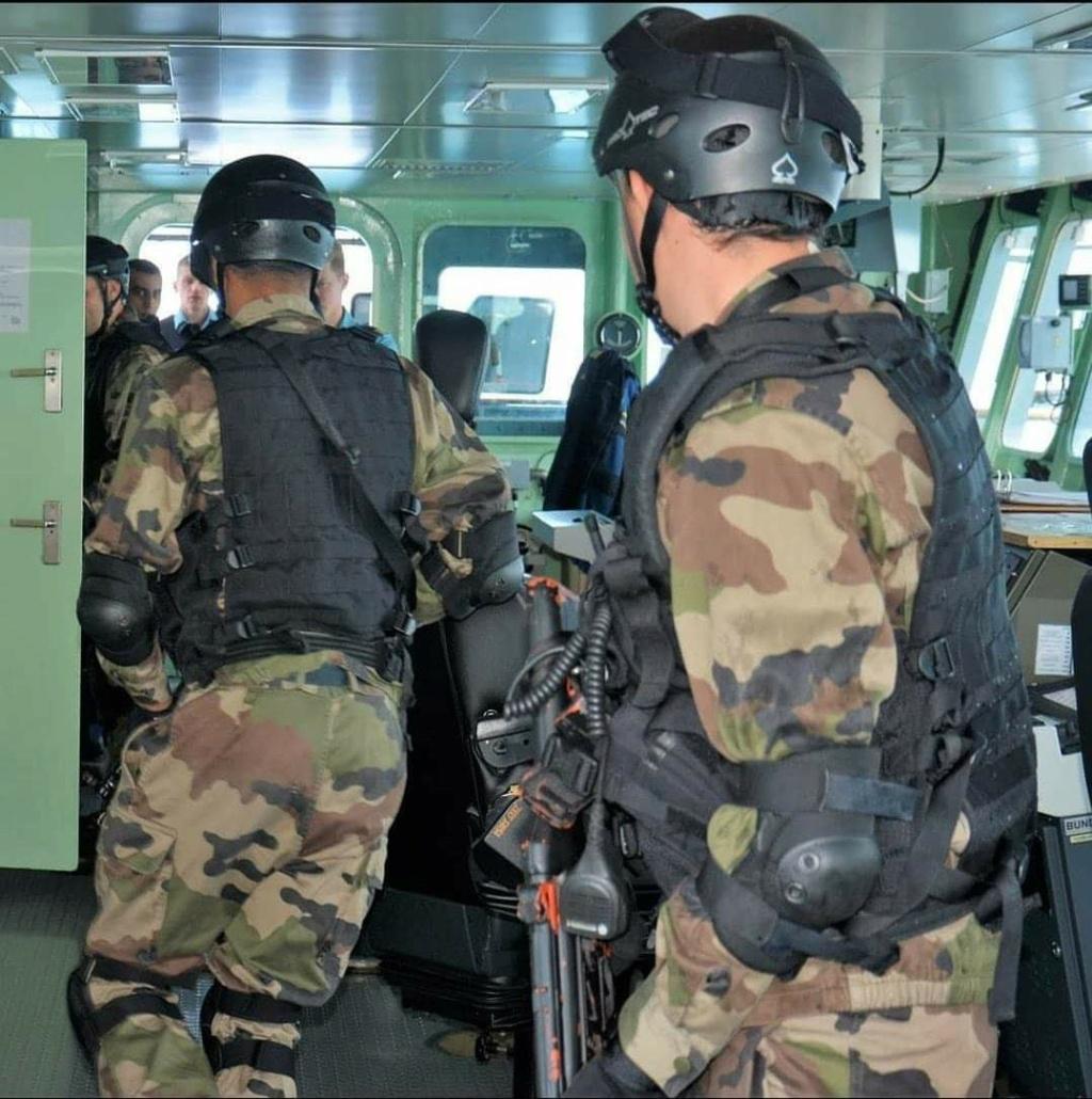 Moroccan Special Forces/Forces spéciales marocaines  :Videos et Photos : BCIJ, Gendarmerie Royale ,  - Page 19 91583010