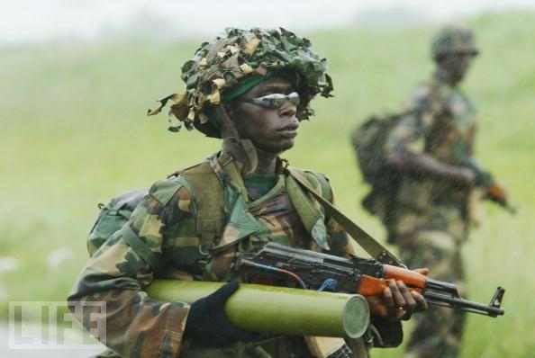Armée Nigériane / Nigerian Armed Forces 2hhhd910