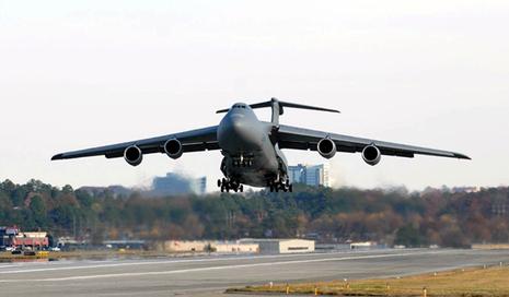 Avions de transport tactique/lourd 6c344610