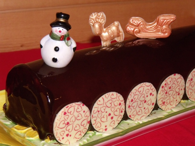 chocolat - Bûche chocolat / fève tonka + glaçage au chocolat brillant  Recett49